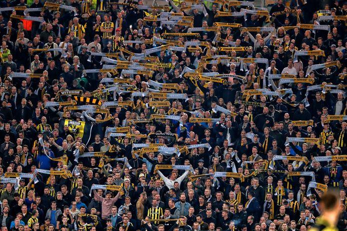 November 2017, het Stadio Olympico in de Italiaanse hoofdstad Rome, waar Vitesse voor een vol uitvak met 1-1 gelijkspeelde tegen Lazio Roma. Dit seizoen moet Vitesse het in Europese uitwedstrijden vooralsnog doen zonder steun van de eigen aanhang.