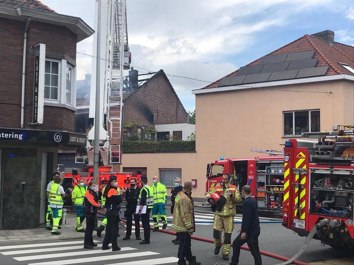 Brand in de Winkelstraat in Wondelgem. Eén persoon bekocht dat met zijn leven.