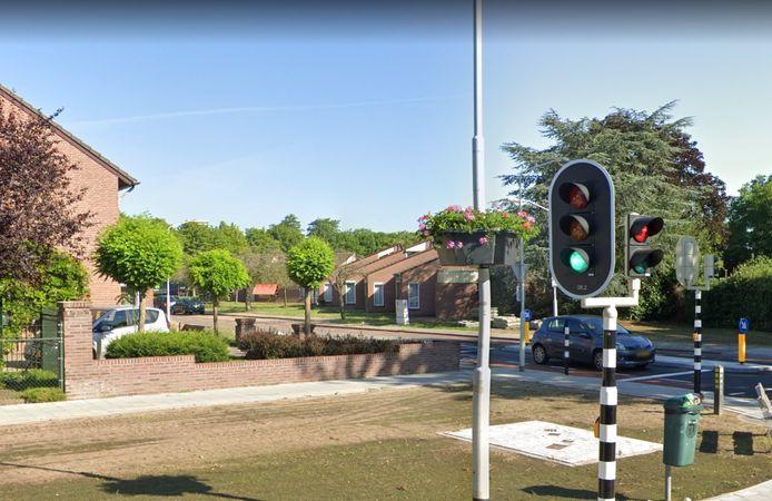 Bloembak aan de Stationsstraat in Deurne.