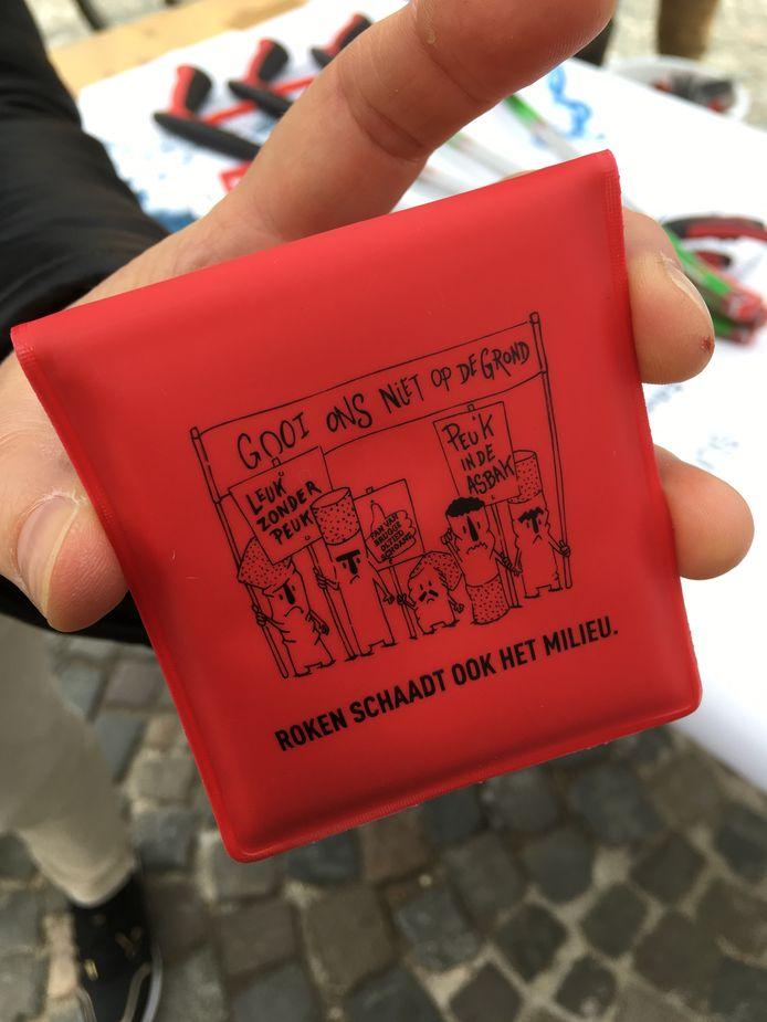 De nieuwe peukenzakjes van de stad Brugge.