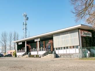 Puyenbeke wordt groter: al verkoopbelofte voor 5,55 hectare extra, alleen drankenhandel Vercammen houdt been stijf voor parking en café 't Chalet