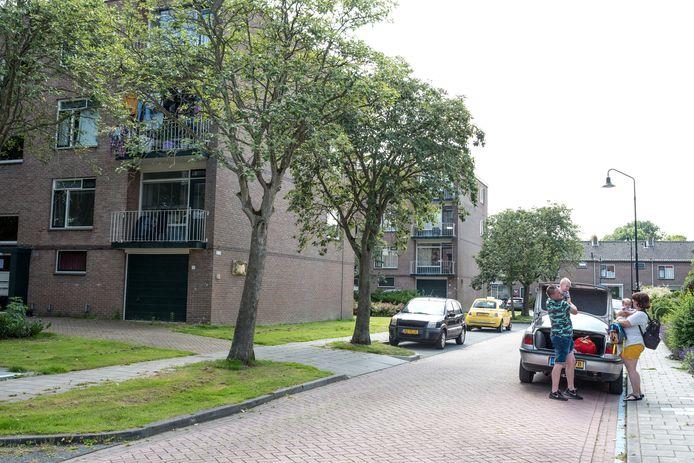 De Plevierstraat in Zierikzee. De burgemeester sluit het huis van een vermeende drugsdealer drie maanden af op overlast voor de buurt tegen te gaan.
