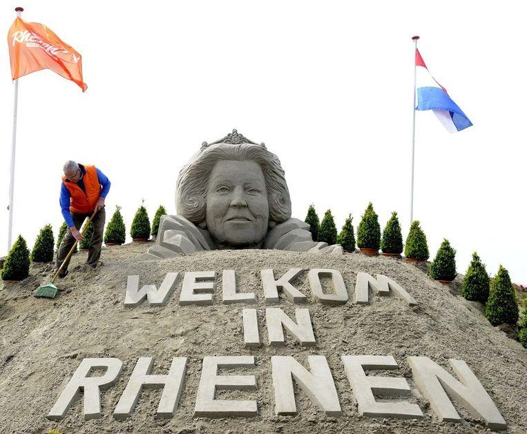 Zandsculptuur in Rhenen ter verwelkoming van de koninklijke familie. Beeld epa