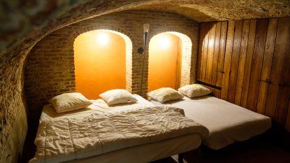 """Op zoek naar de perfecte staycation? Verblijf eens in het oudste huis van Antwerpen en andere bijzondere B&B's: """"Het spook moet je er maar bij nemen"""""""