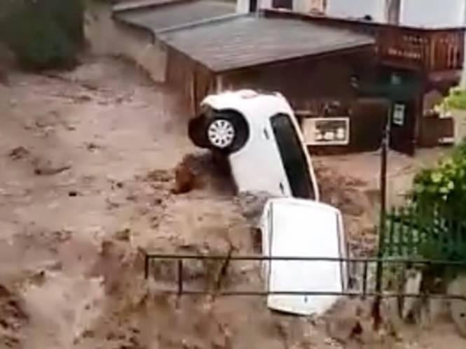 Noodweer houdt nu lelijk huis in Oostenrijk en Oost-Duitsland: videobeelden tonen hoe kolkende modderstroom mensen meesleurt