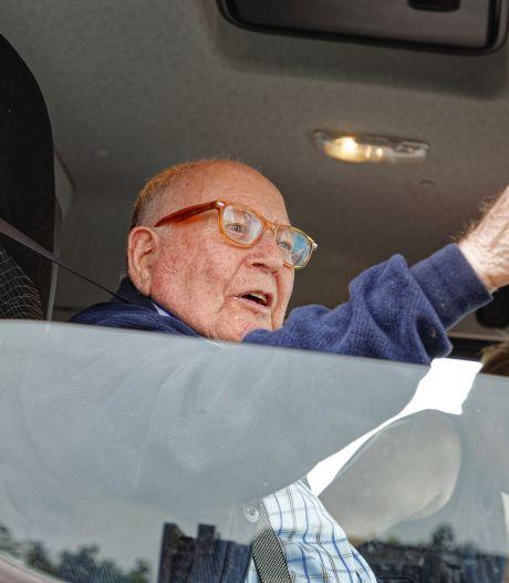 Hein (87) mist z'n stuur tijdens vrachtwagentochtje door Vinkel en Nuland, 'Dit was een heel mooi ritje'