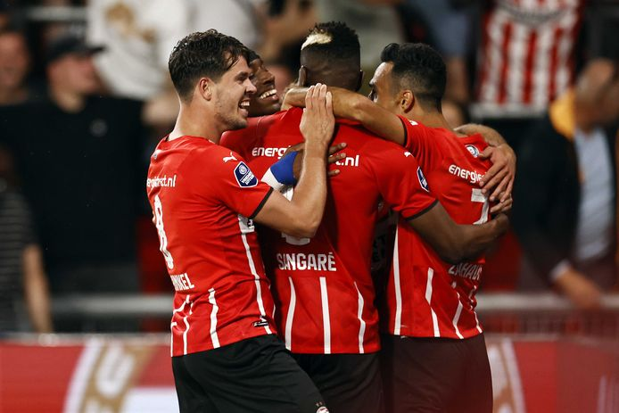 PSV kon vijf keer juichen tegen Galatasaray.