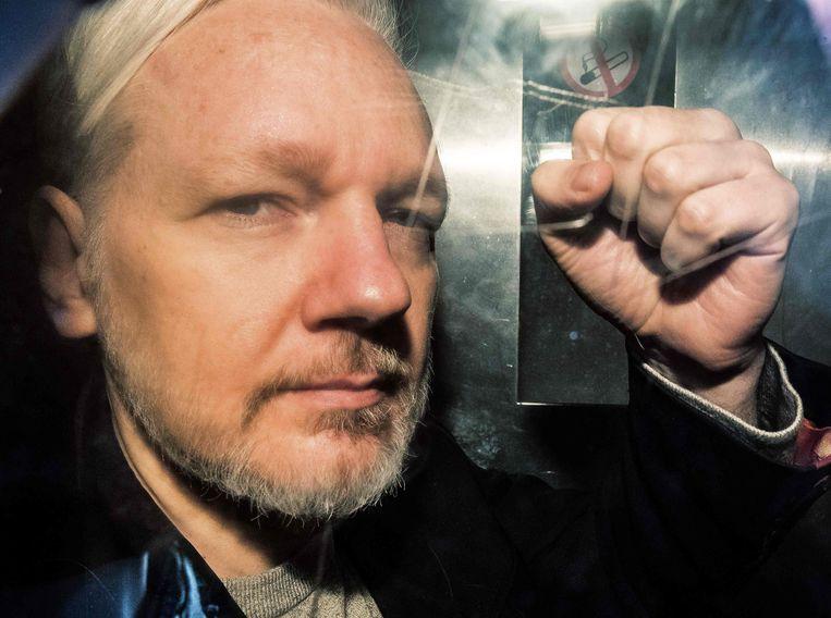 Julian Assange begin mei vlak na zijn arrestatie in Londen. Beeld AFP