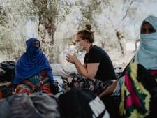 Debora uit Bruinisse werkt met vluchtelingen op Lesbos: 'Soms kan je niet meer doen dan naast iemand gaan zitten en luisteren'