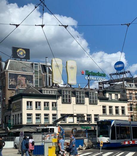 Immense Heineken-bierglazen komen niet richting Tilburg: 'Ik maak graag plaats voor echte kunst'