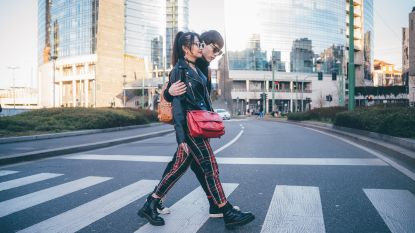 Ideaal voor het wandelweer: 5 praktische schoudertassen