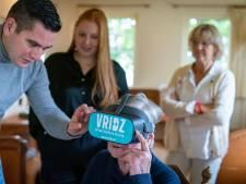 Levensechte beelden voor ouderen uit Oosterhout via VR-bril: 'Ik heb hoogtevrees, ik moet hier wegwezen'