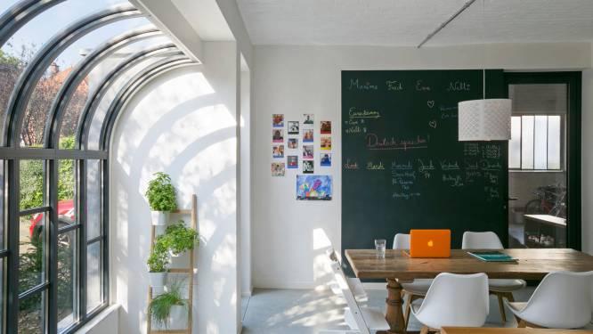 Straf: architect tovert oude garages om tot knappe 'art-decowoning'