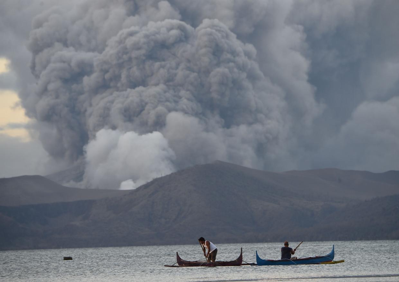 De uitbarsting van de vulkaan Taal. Beeld AFP