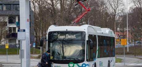 Elektrische bussen Keolis moeten tussendoor extra laden vanwege sneeuw en vrieskou