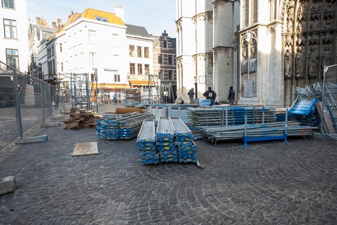 De Antwerpse Kathedraal verdwijnt 2 jaar in de stellingen