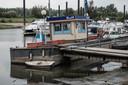 Bij Dorado Beach in Olburgen is het tankstation nog maar moeilijk bereikbaar.