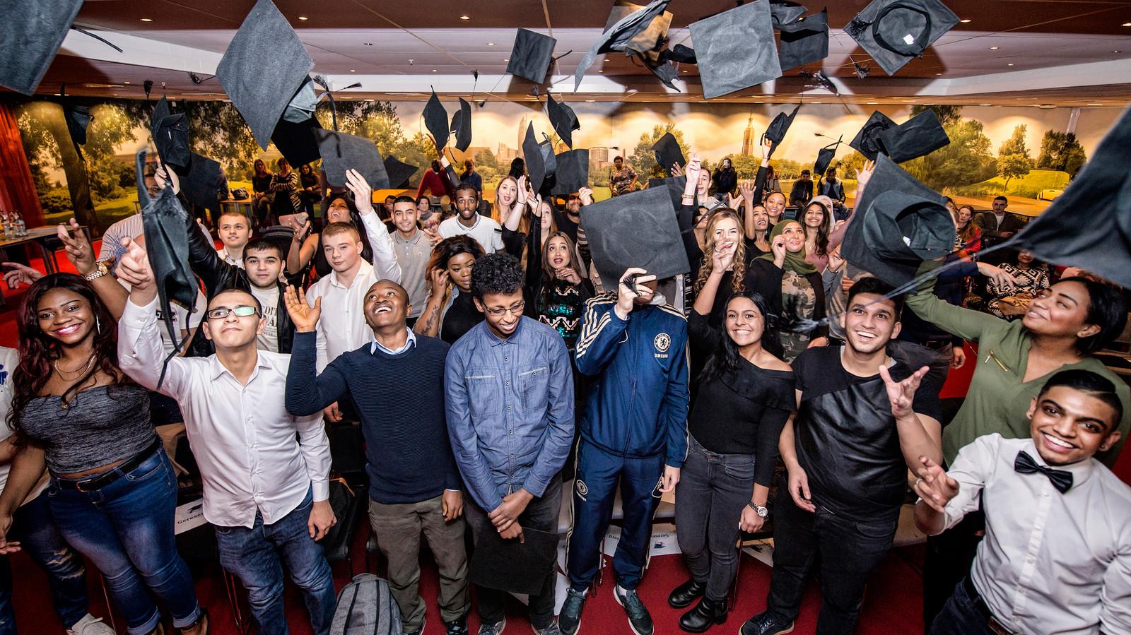 Diploma uitreiking van 50 studenten ROC Mondriaan