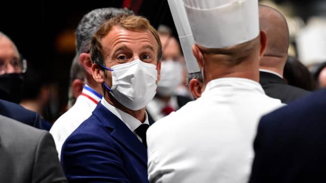 Frans president Macron bekogeld met ei in Lyon