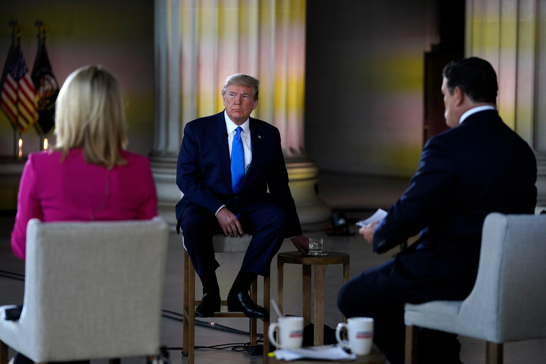 Donald Trump tijdens een interview met Fox News begin mei. Beeld AP