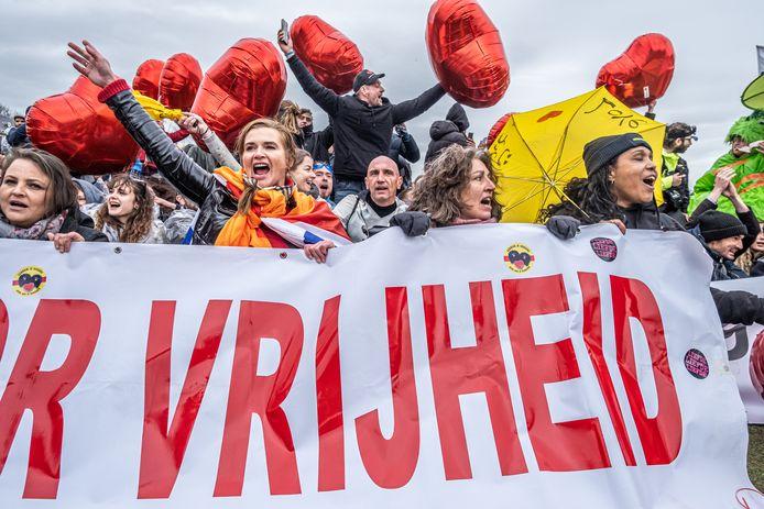 Een demonstratie tegen de coronamaatregelen op het Museumplein in Amsterdam.