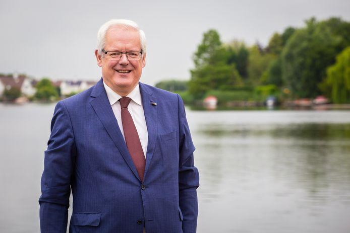 Burgemeester Hoeksche Waard Govert Veldhuijzen