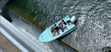 """Leur bateau penche dangereusement au-dessus d'un précipice: """"Elles étaient en train de bavarder et n'ont rien vu venir"""""""