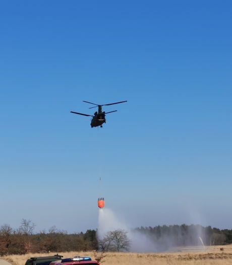 Defensie houdt spectaculaire oefening met Chinook boven Ginkelse Heide