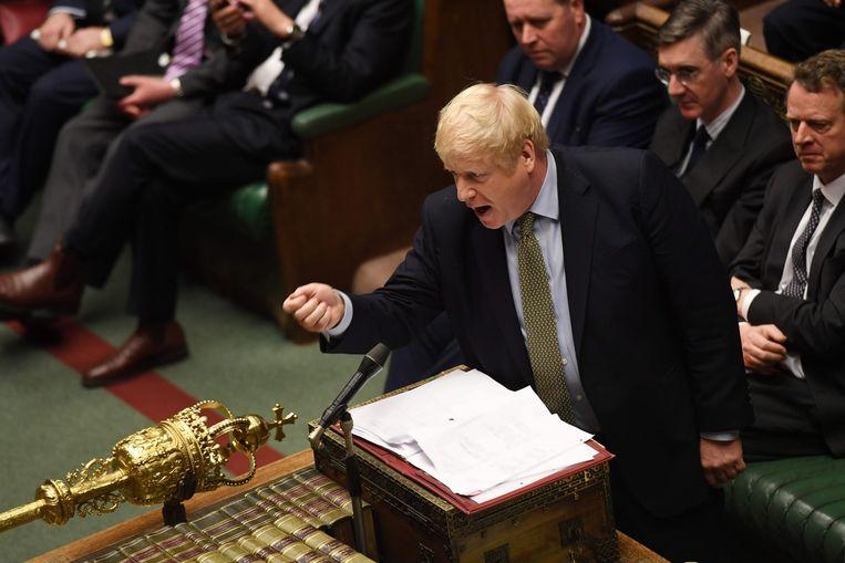 De Britse premier Boris Johnson weigert het licht op groen te zetten voor een nieuw onafhankelijkheidsreferendum in Schotland. Hij heeft de Schotse eerste minister Nicola Sturgeon daar schriftelijk van op de hoogte gebracht.