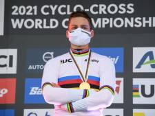 Zelfs val kan Van der Poel niet stoppen: 'Ik voelde me elke ronde beter worden'