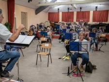 Concert geven kan niet, maar de harmonie boeken voor een serenade kan wél