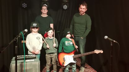 Video: Spinrag vormt jonge rockgoden