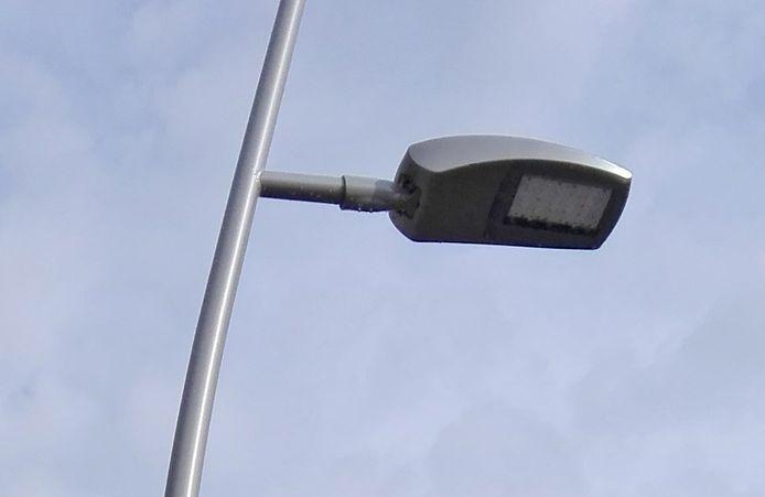 De nieuwe LED-verlichting op het marktplein van Ternat.