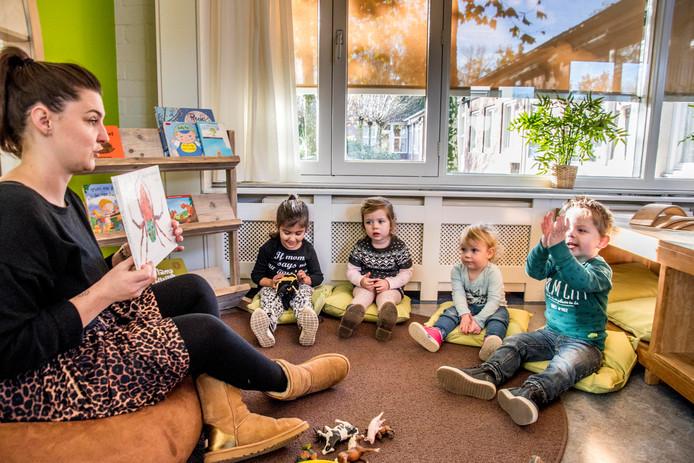 Minder kinderen worden naar de peuterspeelzaal gebracht, nu bij de inschrijving dezelfde financiële en administratieve regels gelden als voorheen bij de kinderopvang.