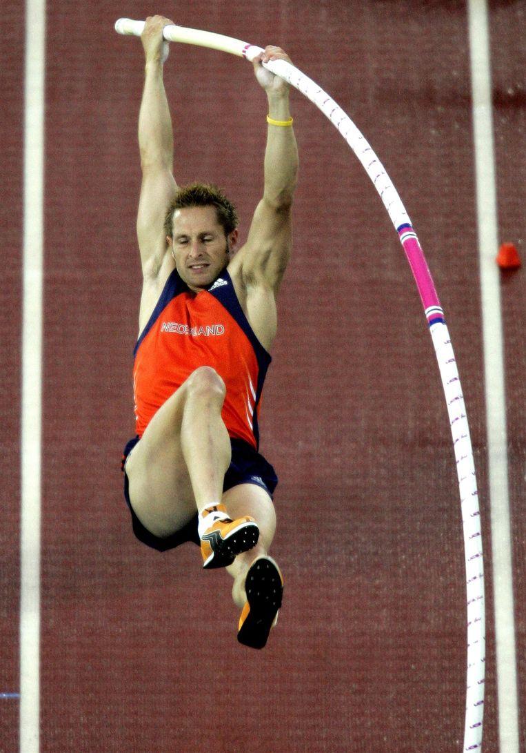 Rens Blom in 2005 op weg naar de enige gouden medaille voor Nederland tijdens een WK atletiek. Beeld anp