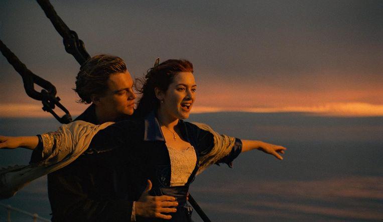 Leonardo DiCaprio and Kate Winslet in Titanic.  Beeld