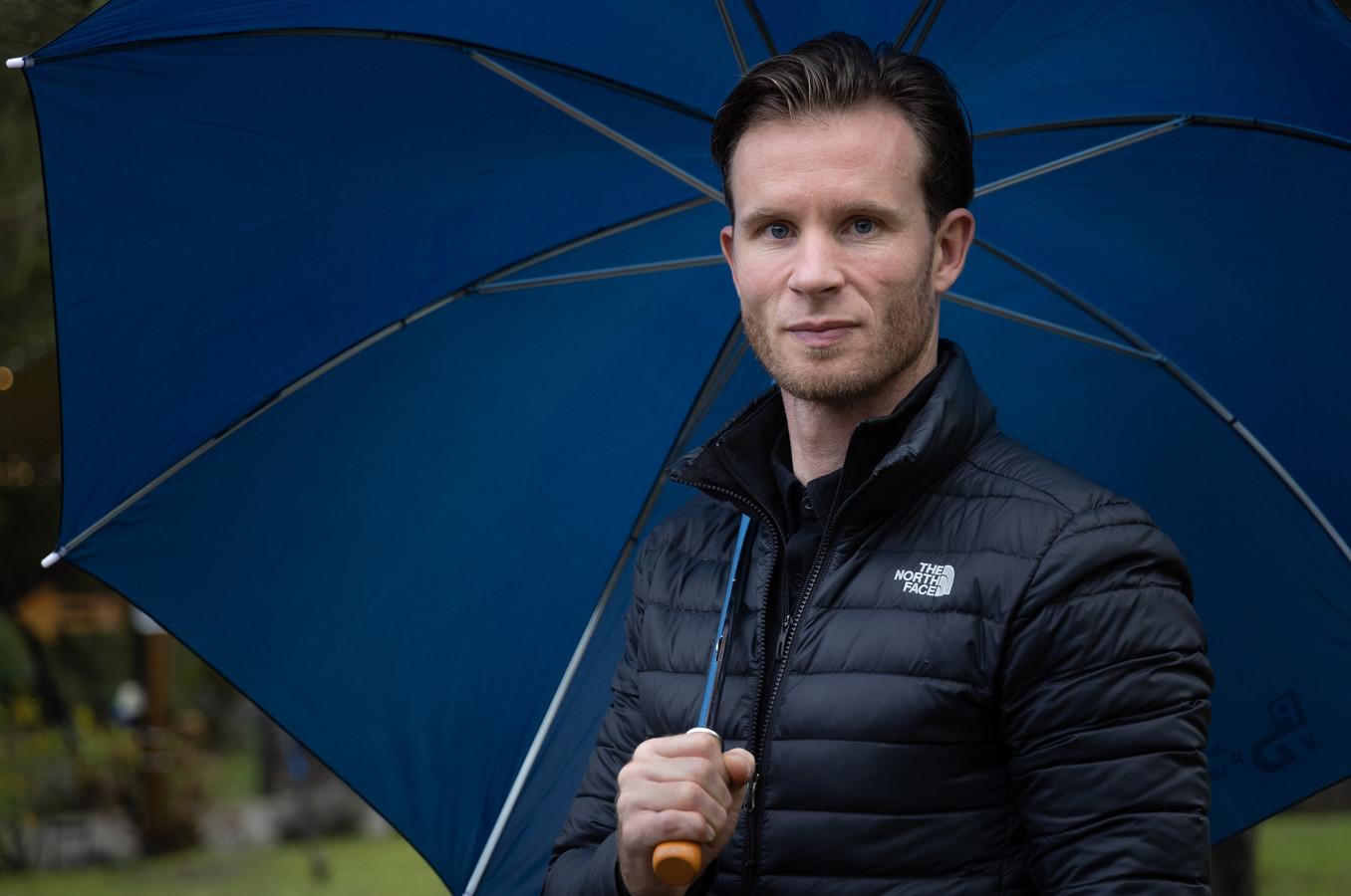 Mark Otten, voormalig trainer van RKHVV, nu van de NEC-jeugd.