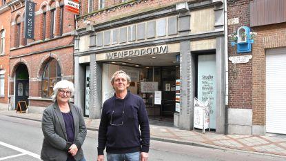 """Bekende fotozaak Wenerdroom verhuist naar nieuwe locatie: """"Maar de muziek verdwijnt, we focussen alleen nog op fotografie"""""""