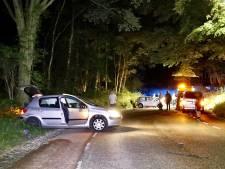 Twee gewonden bij botsing auto's op St. Jansberg in Milsbeek