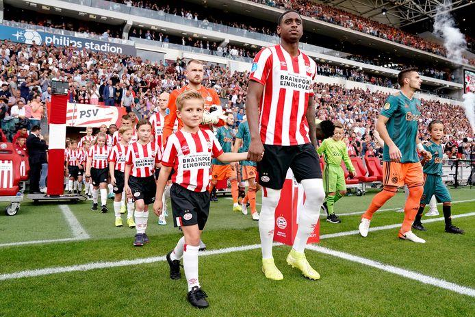 PSV voor het thuisduel met Ajax van afgelopen september.