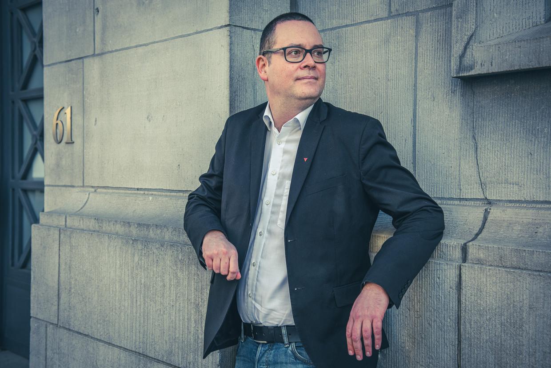 'Ik kom van de volkswijken in Herstal en spreek in het parlement zoals tegen mijn vrienden op café. Want als het volk de kennis heeft, komt het in beweging.' Beeld Christophe De Muynck