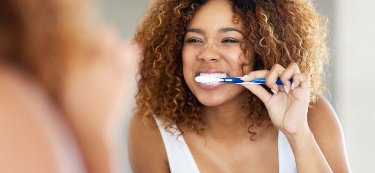"""Een gezonde mond: """"Bloedend tandvlees? Dan moeten er alarmbellen gaan rinkelen"""""""