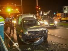 Drie auto's botsen op Leidse Schouw bij Alphen