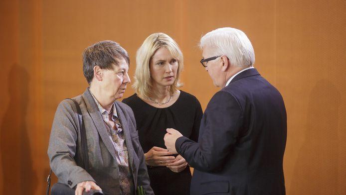 Barbara Hendricks, de Duitse minister van Milieu (links).