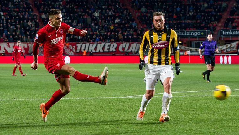 Tadic neemt het doel van Vitesse onder vuur. Beeld anp