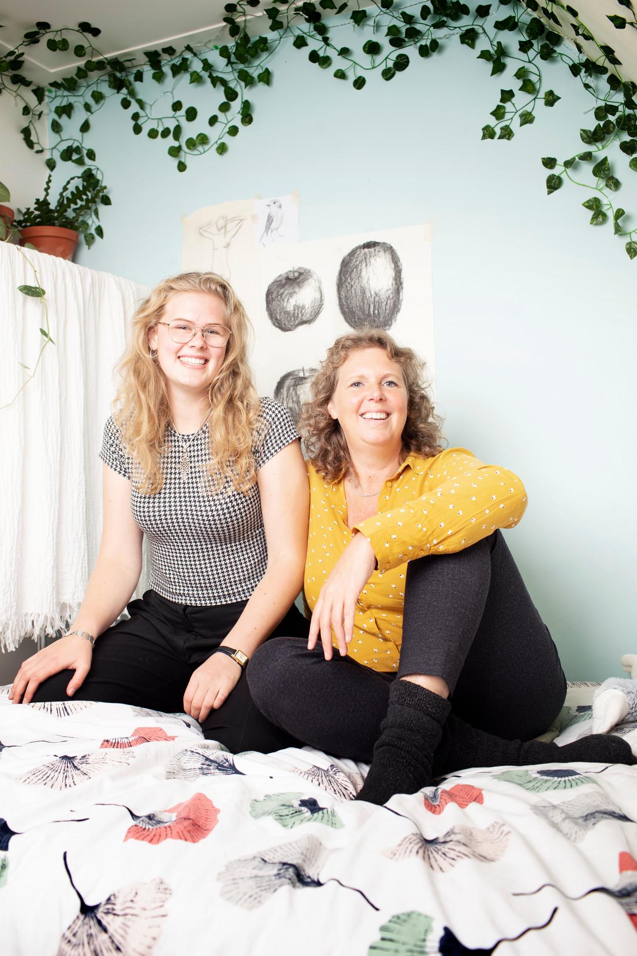 Sarah en Tamara. Beeld Harmen de Jong