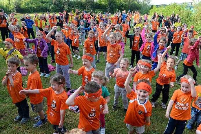 Beerse schoolkinderen tijdens de Koningsspelen van 2014.