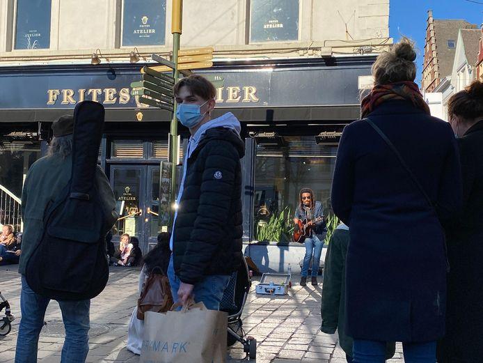 Er klinkt eindelijk weer muziek op straat, zoals zaterdag aan de Groentenmarkt