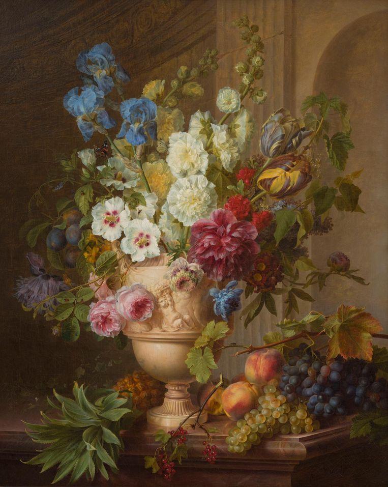 Gerard van Spaendonck, Bloemen in een albasten vaas en vruchten op een marmeren blad, 1781. Beeld  Foto Het Noordbrabants Museum, Den Bosch