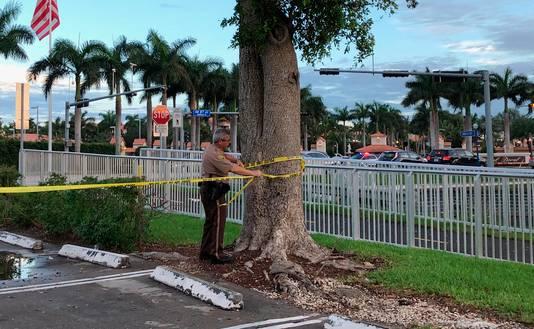 De omgeving van het terrein werd door agenten afgezet.